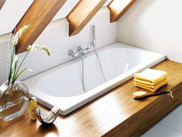 Eine moderne Badewanne zum Entspannen