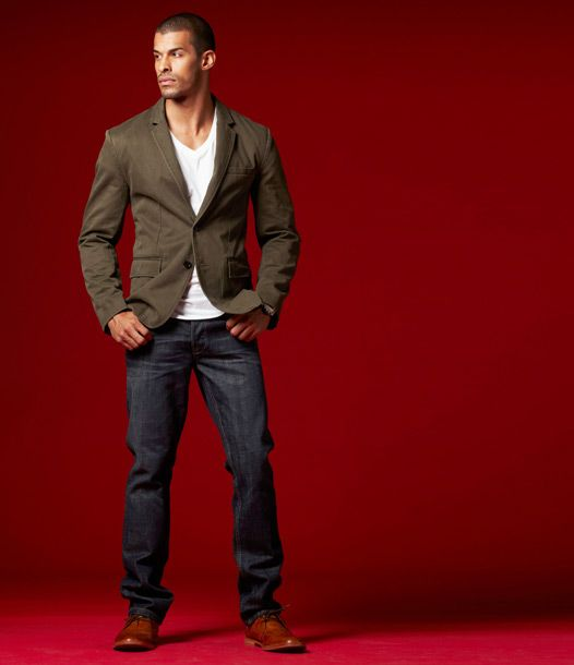 a white t-shirt with a blazer and some jeans might be all you need for a perfect Session.