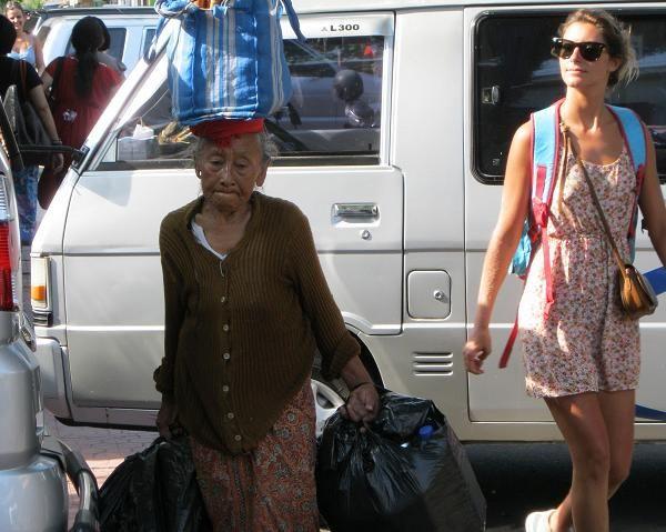 Tinggal dan Bekerja Secara Ilegal di Bali