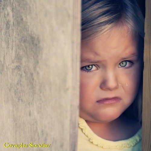 Ağlayan Kız çoçuğu