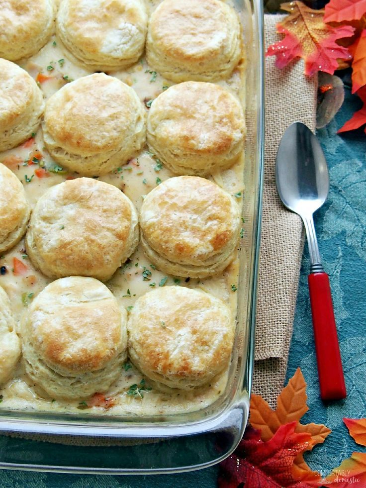 Turkey-Biscuit-Casserole is a delicious dish that makes great use of leftover turkey or chicken. The creamy casserole features an easy homemade sauce that is studded with vegetables and topped with golden, buttery biscuits. @comfortdomestic www.comfortablydomestic.com