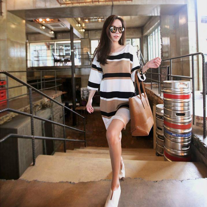 Korea feminine clothing Store [SOIR] folder dangara Knit  / Size : Free/ Price : 38.54USD #korea #fashion #style #fashionshop #soir #feminine #special #lovely #luxury #dress #stripe #casual #brown #black