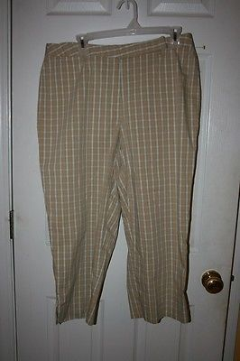 Liz Claiborne Audra Cropped Capri Pants Sz 16 Tan Green & White Plaid Flat Front