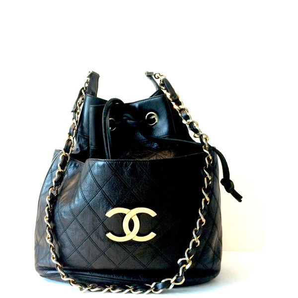 Pre-owned Chanel Shoulder Bag ($1,800) ❤ liked on Polyvore featuring bags, handbags, shoulder bags, apparel & accessories, wallets & cases, white, leather drawstring bag, bucket bags handbags, leather bucket bag and white leather handbags