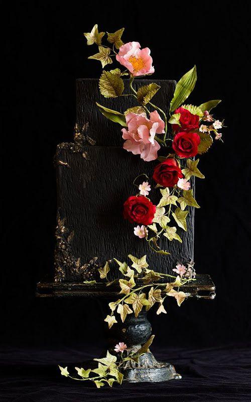 До сих пор считаете, что свадебный торт должен быть белым и пышным, как платье невесты? А может, наоборот - ищете, чем поразить ваших гостей в финале торжества? В обоих случаях вам стоит присмотреться к современным кондитерским трендам: свадебная мода сегодня очень разнообразна, и торты тоже не оста