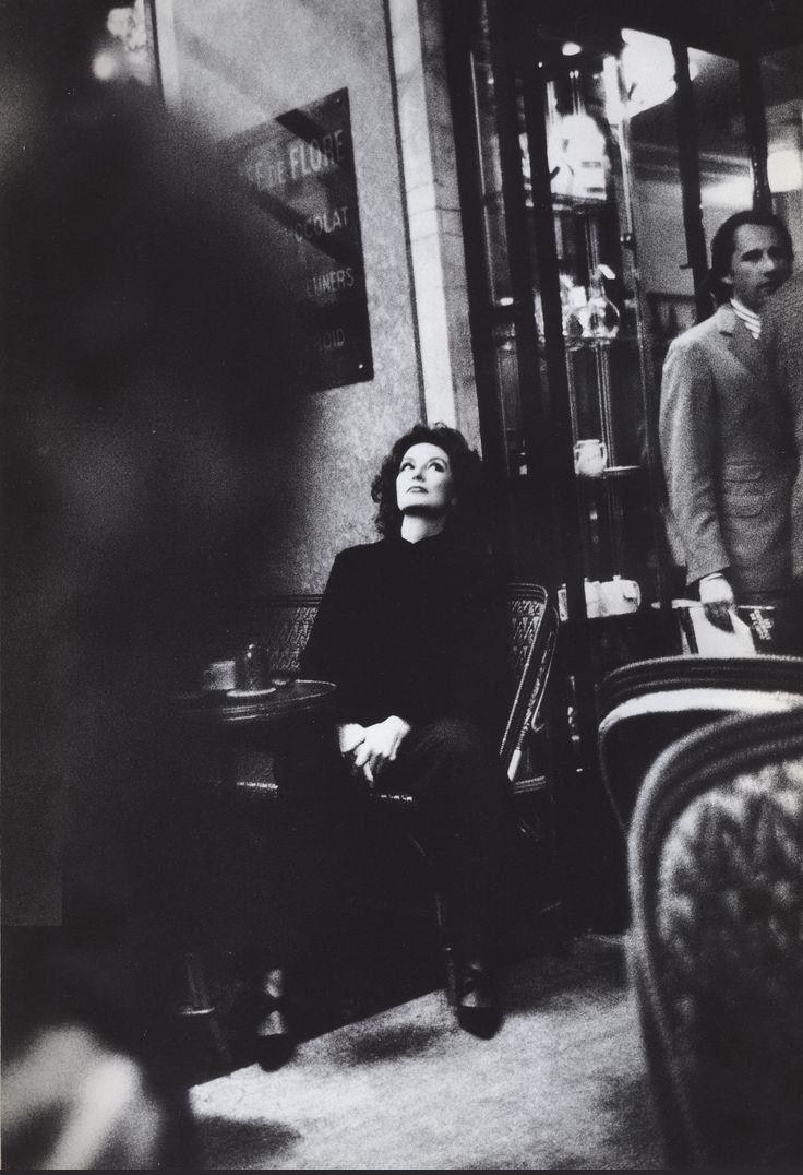 Anouk Aimée au Café de Flore début années 1990 (photographe inconnu(e)  (Paris 6ème)