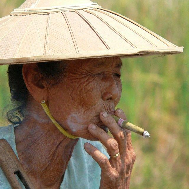 Burmese lady smoking a cheroot #Burma #Myanmar #panasonic #travel #portrait #travelphotography #travelportrait #travel #cheroot (scheduled via http://www.tailwindapp.com?utm_source=pinterest&utm_medium=twpin&utm_content=post82594975&utm_campaign=scheduler_attribution)
