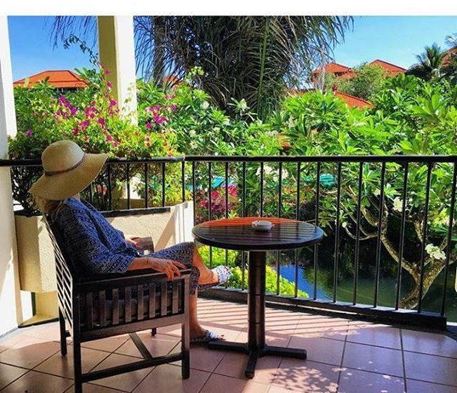 WEBSTA @ ayodyabali - When this tropical garden view is just a door open away. #ayodyaresort #tropicalgarden #bali #destination
