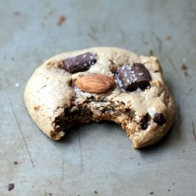 Flourless Almond Butter Chocolate Chunk Cookies. Sweet, salty, chewy, soft! 1 bowl, 15 minutes - GUILT FREE!