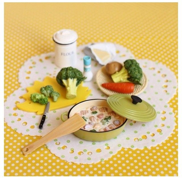 Tiny Kitchen Real Food: 17 Best Images About Dollhouse Kitchen & Pantry Scenes