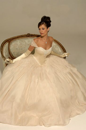25  best ideas about Princess style wedding dresses on Pinterest ...