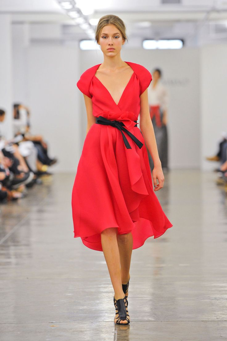 Tadashi shoji at new york fashion week spring 2013 stylebistro - Carmen Marc Valvo At New York Fashion Week Spring 2013