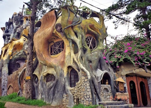 THE CRAZY TREE HOUSE - an unusual hotel located in Dalat, Vietnam    The Hang Nga Tree House Hotel, or Spider Web Chalet, is one of the most unique hotels in the area, if not the world.    http://blog.asiahotels.com/the-crazy-house-vietnam/