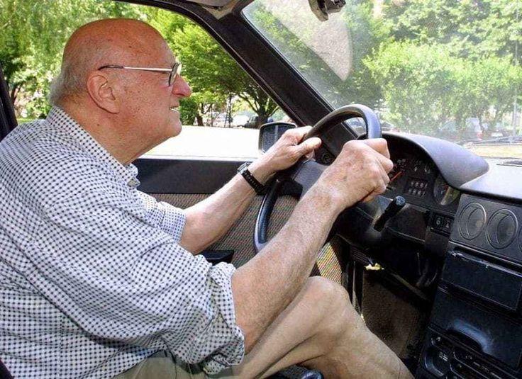 """Guidava senza patente da 58 anni: anziano fermato e multato 58 anni alla guida, ma non aveva mai dato l'esame per la patente. Poi è incappato in un controllo della Polizia Municipale con il sistema """"targa system"""" ed è stato multato: ora dovrà pagare ben cinqu #anziano #guidasenzapatente"""