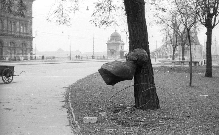Fővám (Dimitrov) tér, Georgi Dimitrov mellszobra.