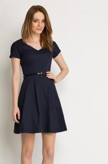 Kleid mit Glockenschnitt und Gürtel