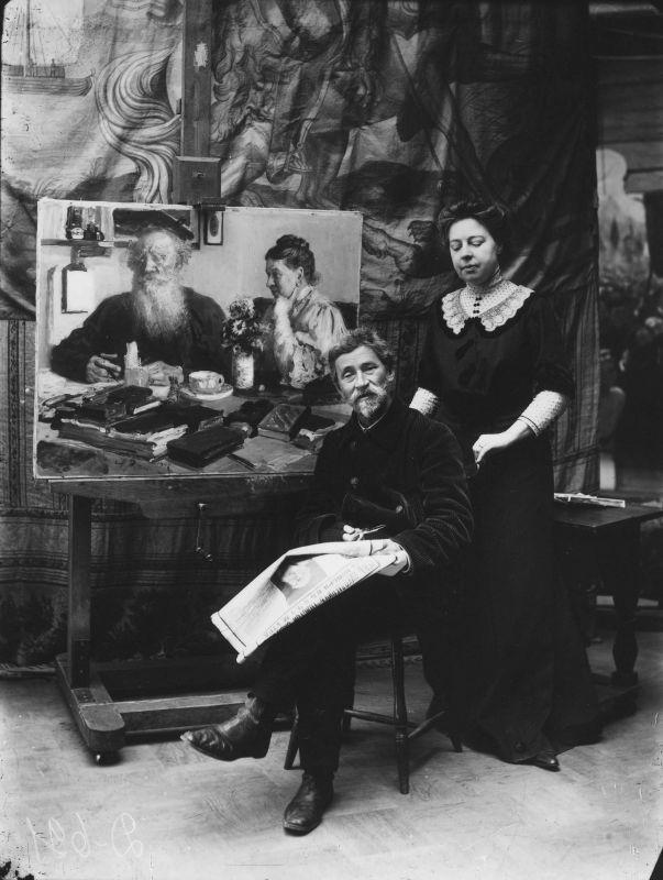 20 ноября 1910 - Илья Репин и Наталья Нордман-Северова читают сообщение о смерти Льва Толстого