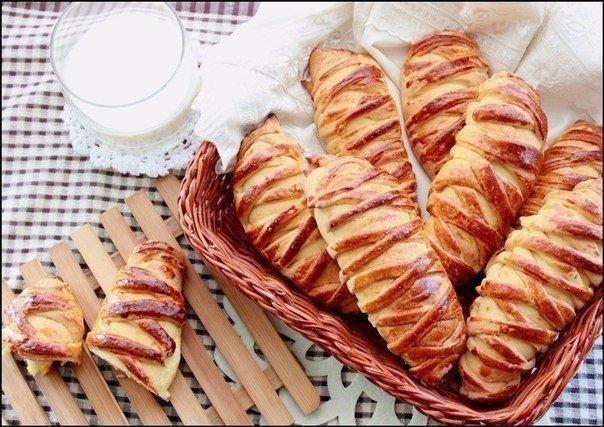Булочки с творогом и персиками.Рецепт с пошаговыми фото.   Empanada.RU