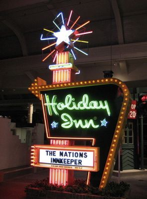 Probably the most recognizable sign ever---Holiday Inn  [Note: links at the click-through may not be suitable for work or children.]: In Signs, Ford Museums, Inn Neon, Neon Signs, Holidays In, Vintage Holidays, Roads Trips, Retro Signs, Vintage Neon