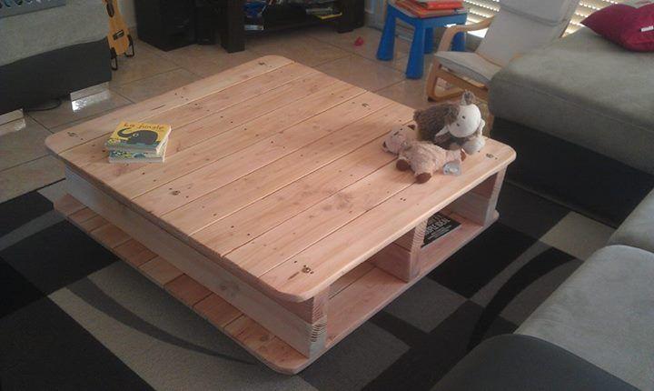 Table basse en palettes (roulettes récup + palettes poncées + verni incolore mat)
