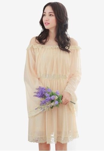 Bell Sleeve Off Shoulder Dress from Yoco in beige_1