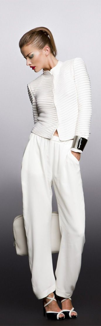 Perfect construction in white ! Georgio Armani Resort 2013