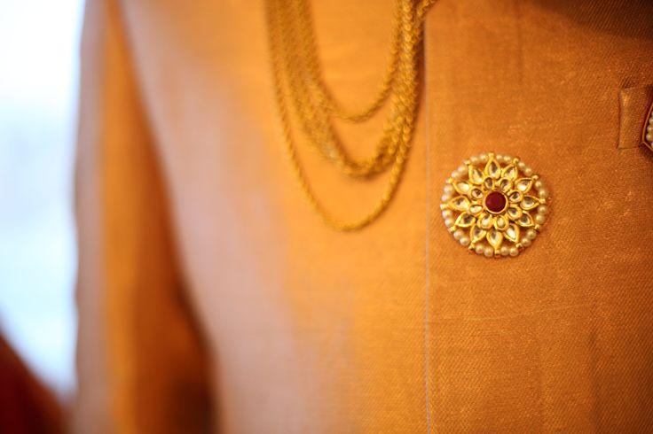 Indian groom : Sherwani Buttons
