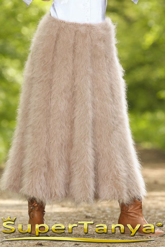 Thick fuzzy hand knitted mohair skirt in beige by by supertanya