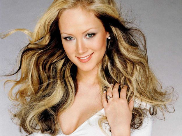 Мелирование на светлые волосы шоколадными прядями ::: onelady.ru ::: #hair #hairs #hairstyle #hairstyles
