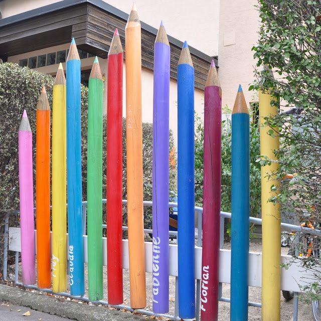 Malala: Regenbogenbunter Vorgarten