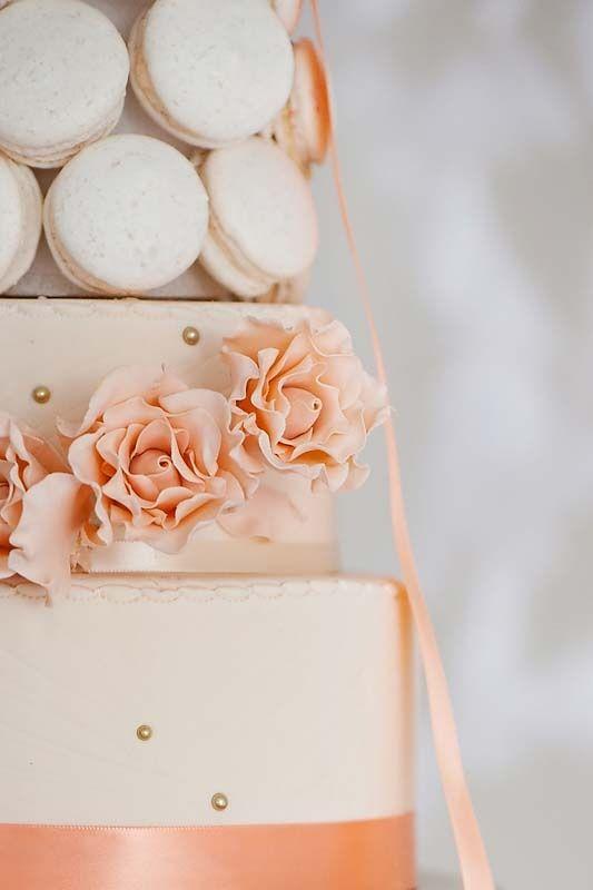 Wedding cake macarons