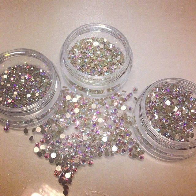 Juz są !!! Cała masa kryształkow Swarovskiego! #swarovski #crystal #eclairnail #eclair #nails #nailart #nailporn #nailswag