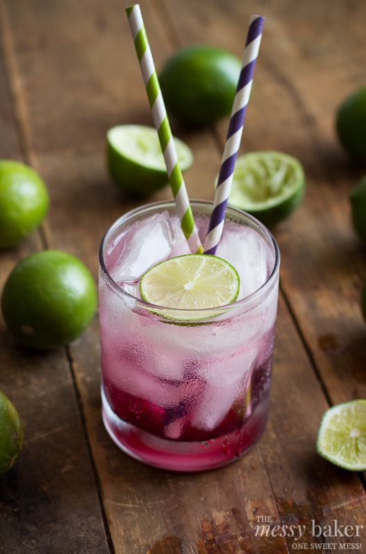 Blackberry-Lime Gin Fizz
