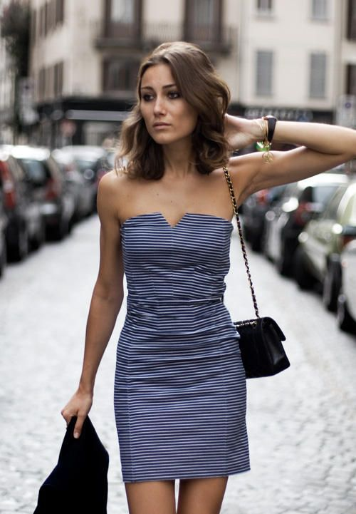 Simple strapless dress for summer: