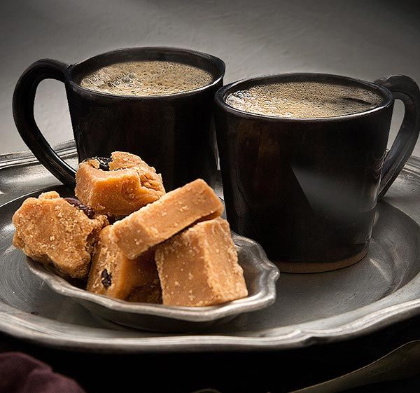 Relax this Mother's Day and fill two coffee cups with freshly brewed Simply Better Medium Roast Columbian Ground Coffee and serve with Simply Better Irish All Butter Vanilla or Rum & Raisin Fudge.