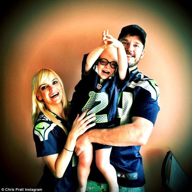 Happy family! Chris Pratt and wife Anna Faris shared a family photo with two-year-old son ...