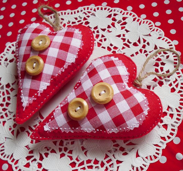 red gingham hearts