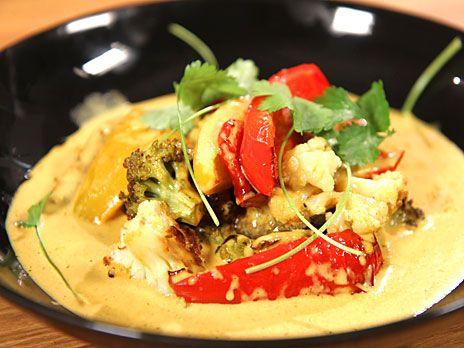 Vegetarisk currygryta med paprika | Recept.nu
