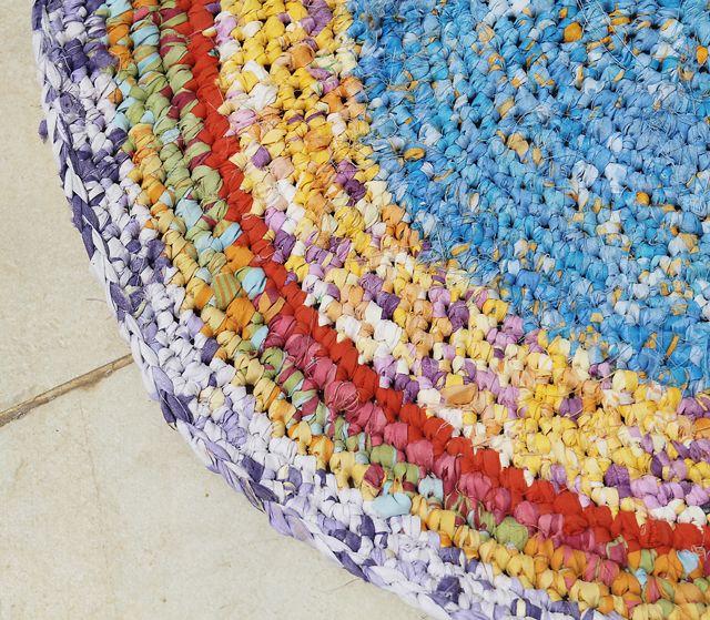 Crochet A Rag Rug Instructions: Crochet Fabric Crafts