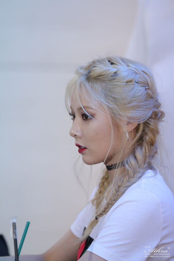 Just because Hyuna is so gorgeous