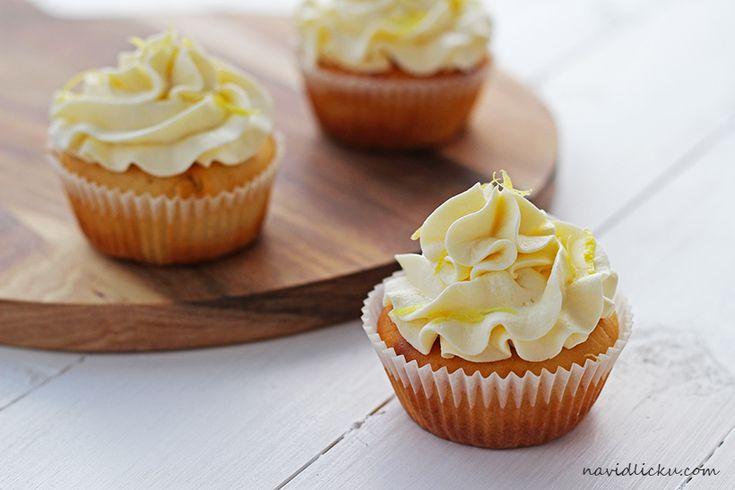 Lemon Ricotta Cupcakes / Citrónové cupcakes s ricottou | Na vidličku food blog