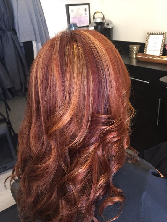 Red hair with blonde highlights and violet low lights! Are you looking for auburn hair color hairstyles? See our collection full of auburn hair color hairstyles and get inspired!