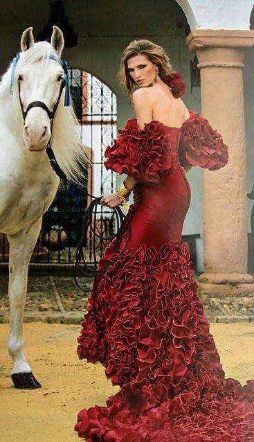 Laura Sánchez se apunta al diseño de moda flamenca con Brugal - 2011
