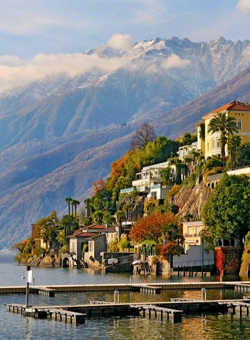 A vew of Ascona in Tessin, Switzerland | Flickr - Photo by Tambako the Jaguar