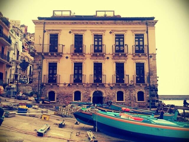Palazzo Scategna, Chianalea Scilla www.ubais.it