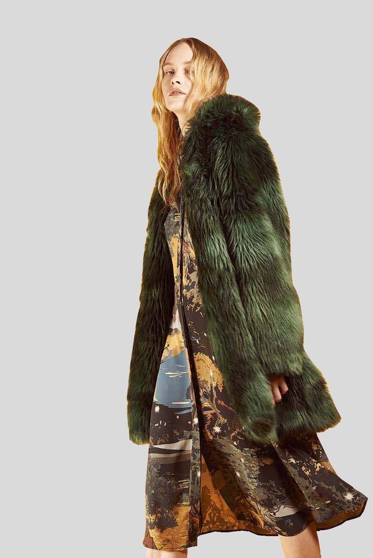 CM.100 - Haute Couture von der Edelmanufaktur Mantu. www.strauch.at