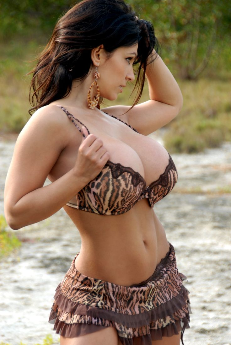 hot latinas huge boobs escort