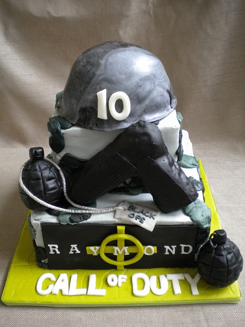 Call of duty black ops cake by for Black ops 3 decorations