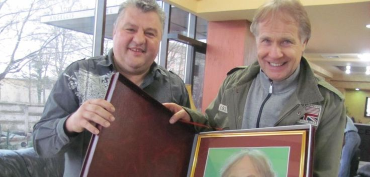 Richard Clayderman primeşte cadou un portert marca Popa's FOTO Ştefan Both