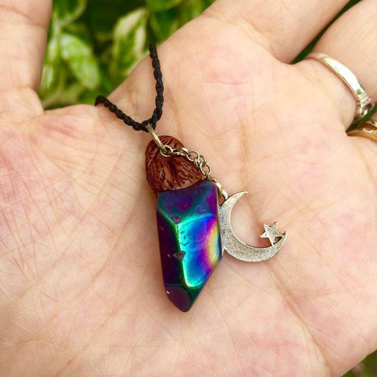 Loja Hippie Artesanatos | Colar Quartzo Arco Iris com Lua Prata